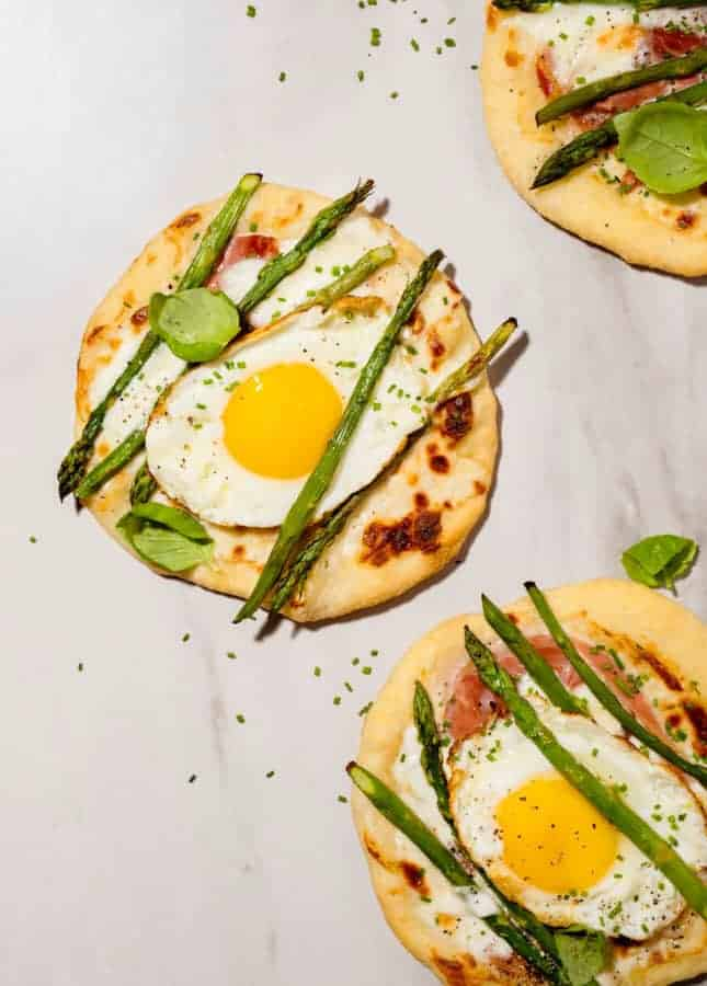 Breakfast Pizza from Scratch // FoodNouveau.com