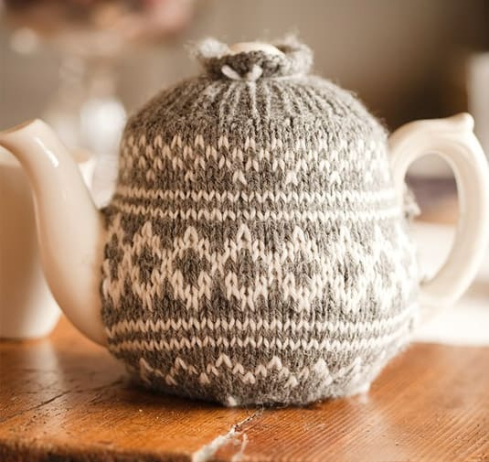 Decorative Knitted Teapot (by Sweet Paul)