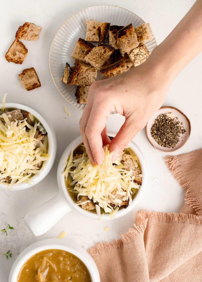How to Make Classic French Onion Soup // FoodNouveau.com