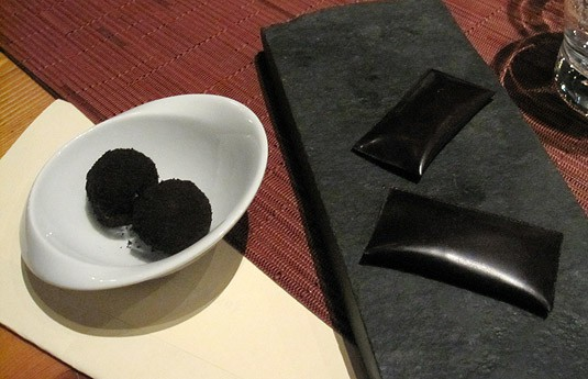 Cocoa packets, chocolate shortbread (Wylie Dufresne's WD-50 Tasting Menu)