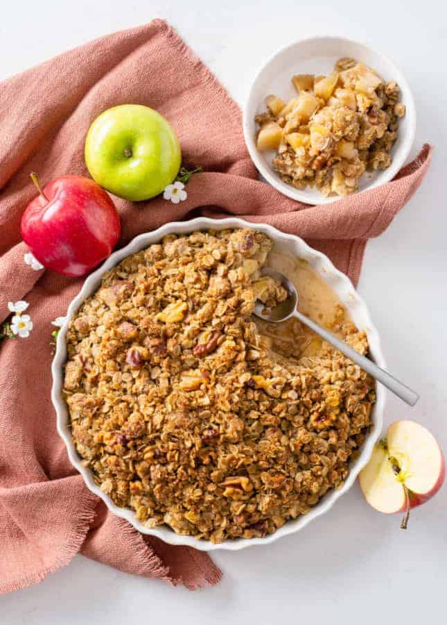 Dairy-Free Apple Crumble // FoodNouveau.com
