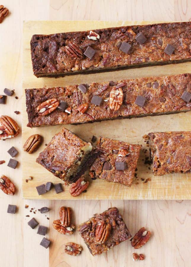 Chocolate Pecan Pie Bars // FoodNouveau.com