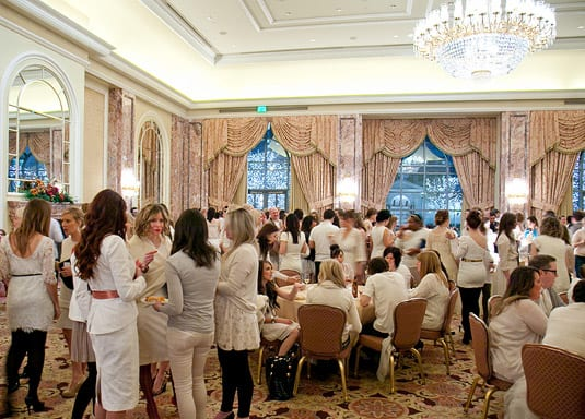Diner en blanc (White Party) at Alt Design Summit 2012 (c) JustinHackworth.com