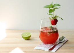 Fresh Strawberry Mojito