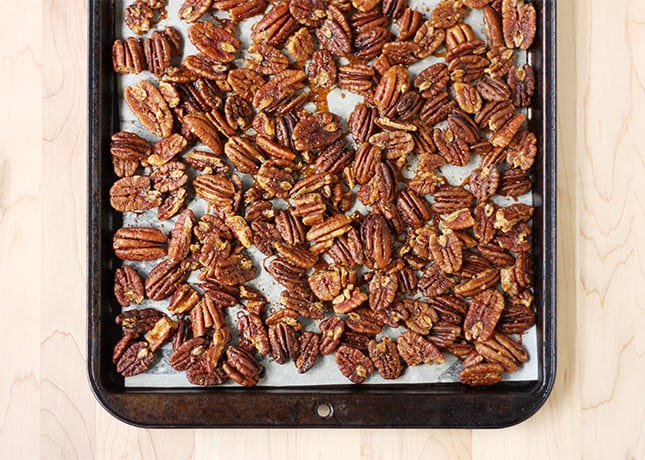 Spicy & Sweet Cocktail Pecans: An Easy and Luxurious Snack. / FoodNouveau.com