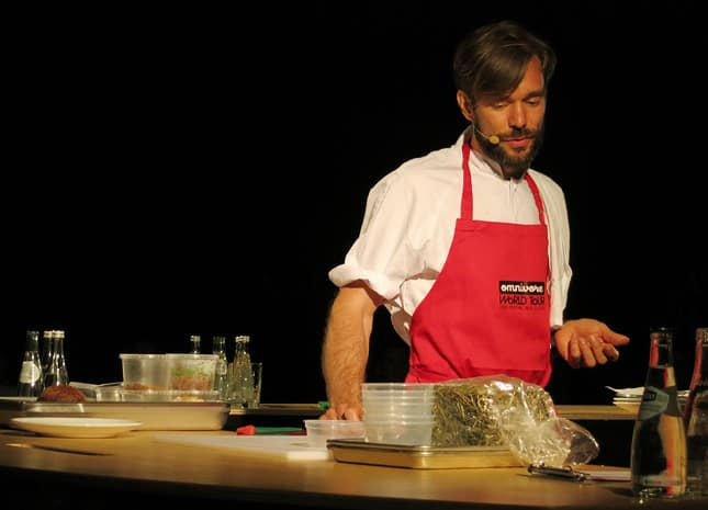 Chef Petter Nilsson from La Gazzetta, Paris, at the Omnivore Food Festival, Montréal / FoodNouveau.com