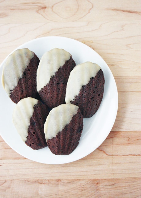 {Cookie Week} The Elegant: Mocha Madeleines // FoodNouveau.com