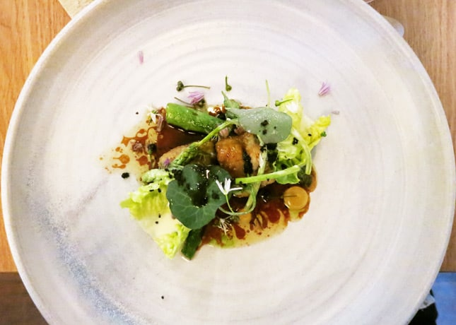 Sweetbreads with green asparagus, crisp baby lettuce leaves, ramson (wild garlic) and brown butter, Kadeau, Copenhagen // FoodNouveau.com