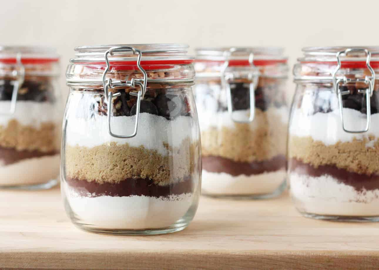 Brownies in a Jar: The Perfect DIY Gift for Sweet Lovers