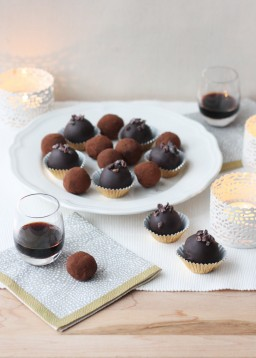 Wild Blueberry and Blackcurrant Cream Truffles