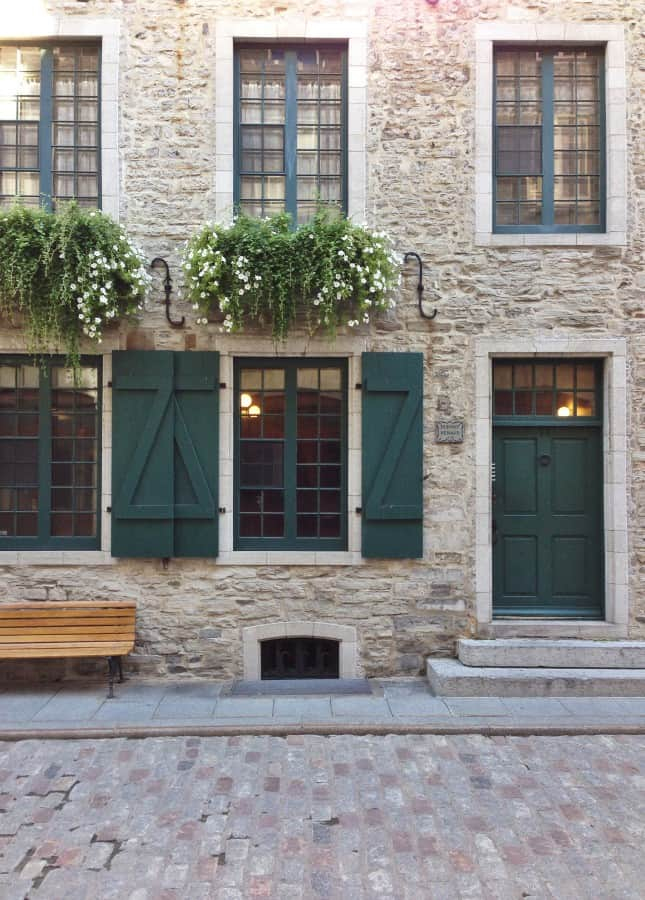 Quebec City's cobblestone streets and historic stone houses reveal the city's 400-year history // FoodNouveau.com