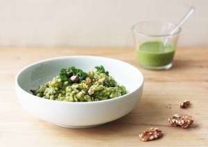 Kale and Walnut Pesto Risotto // FoodNouveau.com