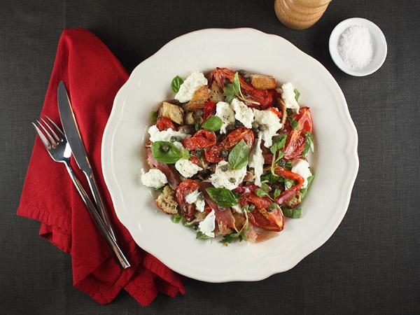 Panzanella Caprese Salad // FoodNouveau.com