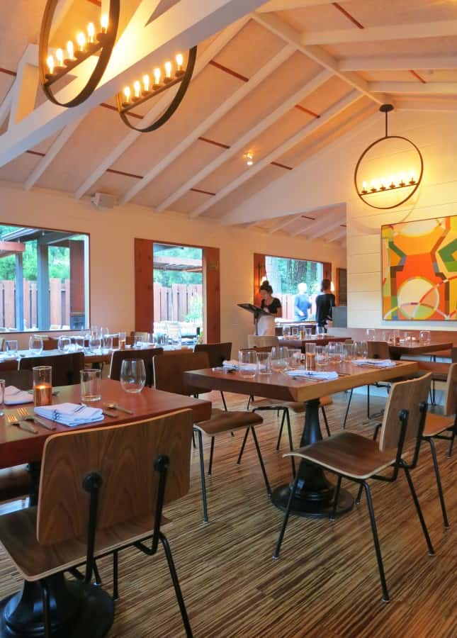 Big Sur Roadhouse's modern dining room // FoodNouveau.com