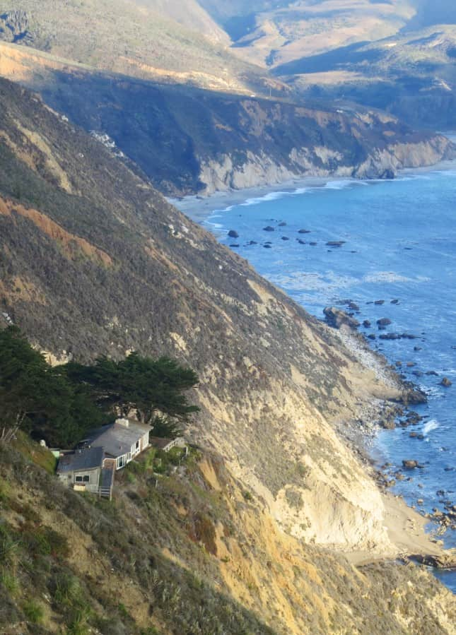 A very private house on the Big Sur coast, California // FoodNouveau.com