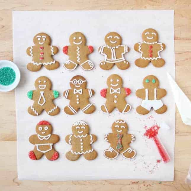 Gingerbread People Cookies, a perfect edible gift // FoodNouveau.com