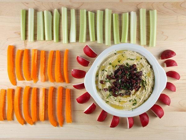 Easy One-Step Hummus // FoodNouveau.com