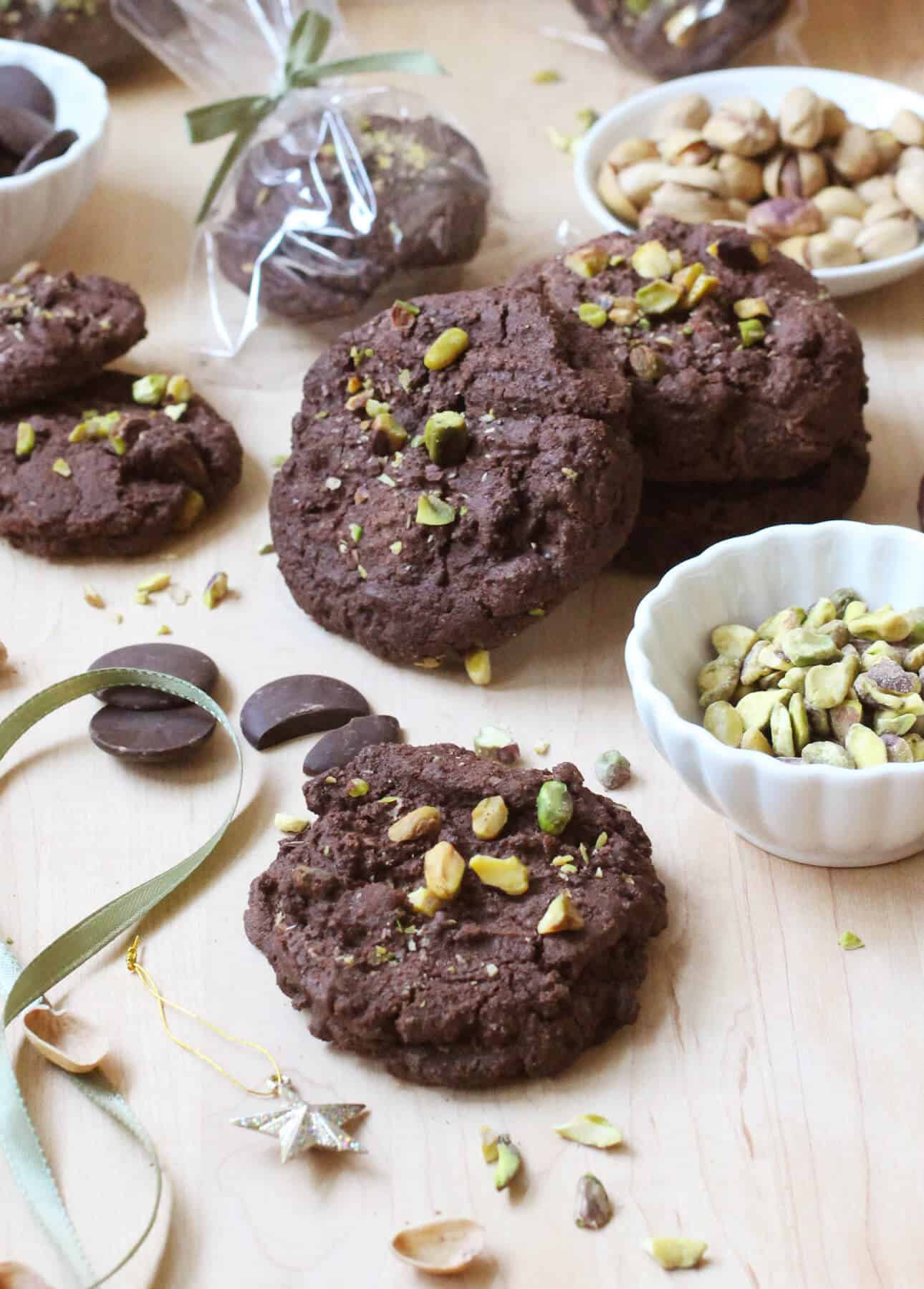 Triple Chocolate Pistachio Cookies - Food Nouveau