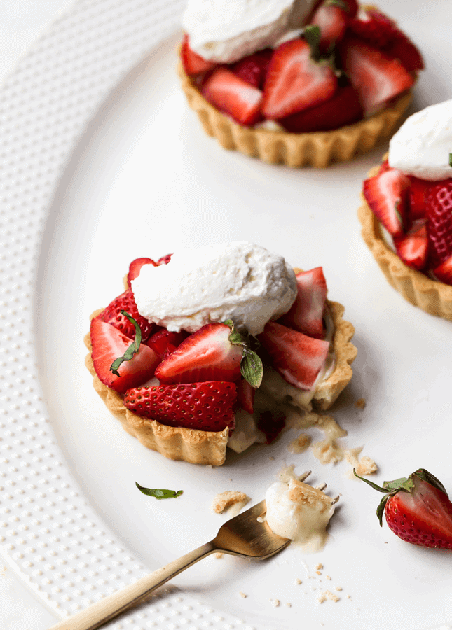 Strawberry Basil Tartlets, by Style Sweet CA // FoodNouveau.com