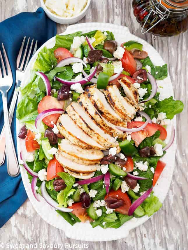 Greek Salad with Grilled Chicken, by Sweet and Savoury Pursuits // FoodNouveau.com