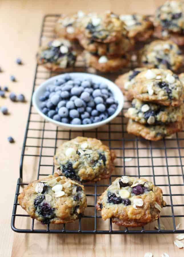 Oats, White Chocolate, and Wild Blueberry Cookies // FoodNouveau.com