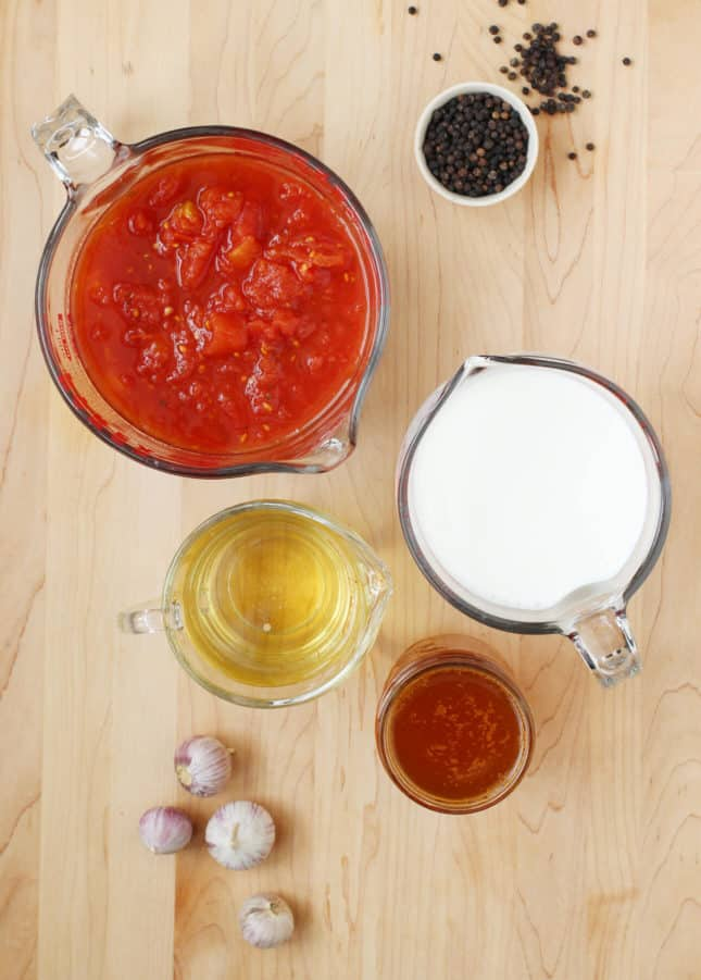 Ingredients to make Bolognese Sauce / How to Make an Authentic Bolognese Sauce / FoodNouveau.com